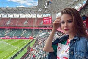 Самые обаятельные болельщицы с российских футбольных стадионов в мае