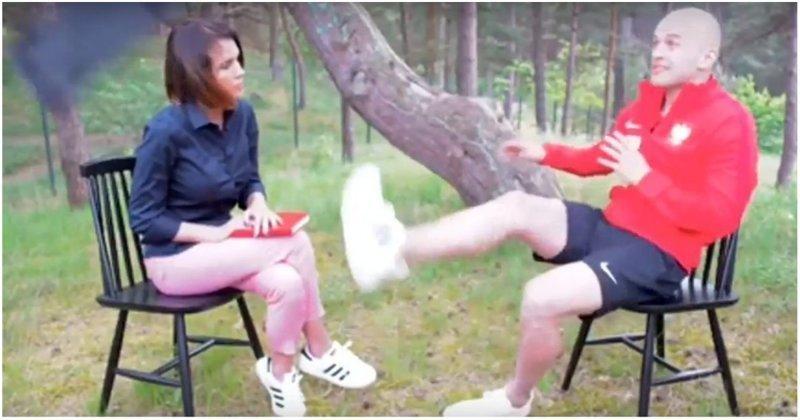 Польский футболист  легким движением ноги спас журналистку