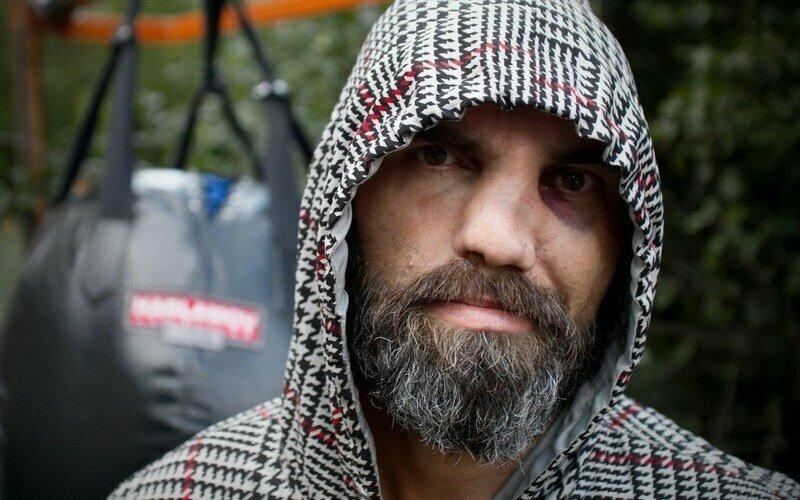 История бездомного, что дрался за еду и стал легендой ММА