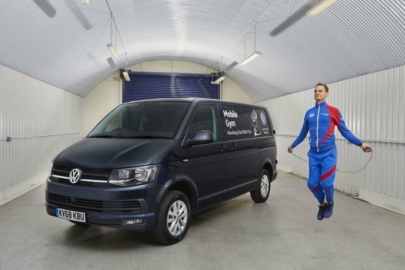 Фургон Volkswagen превратили в самый странный тренажерный зал в мире