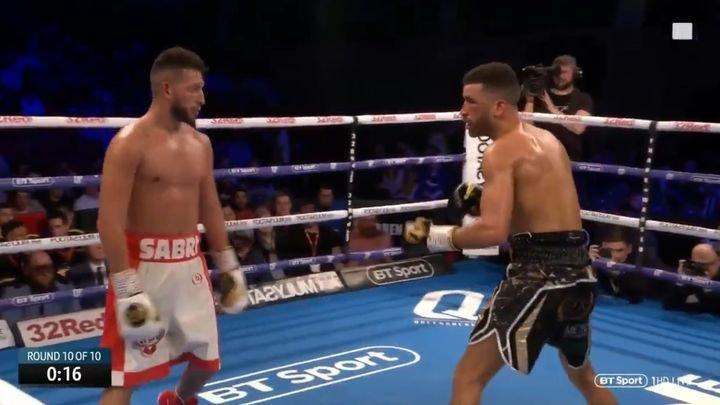 Боксер начал дразнить соперника в конце финального раунда и был нокаутирован