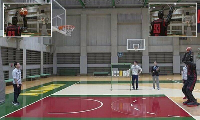 Робот-баскетболист победил людей по очкам