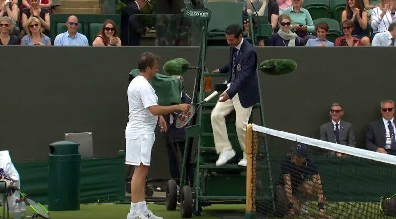 Теннисист предложил судье выйти на корт и поиграть за него. Тот без промедления согласился