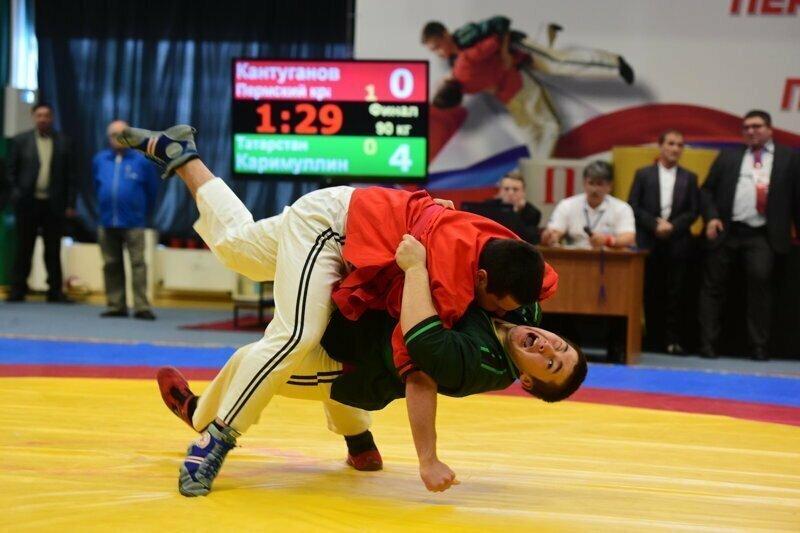 На соревновании по корэшу российский боец устроил потасовку с болельщиками противника