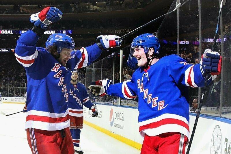 В матче НХЛ американцы забили две шайбы за шесть секунд