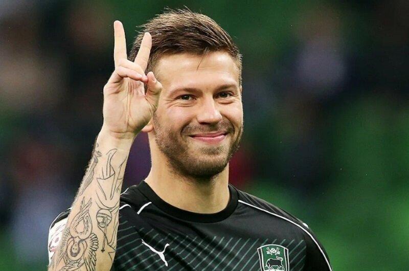 Футболист Федор Смолов выделил на борьбу с коронавирусом миллион