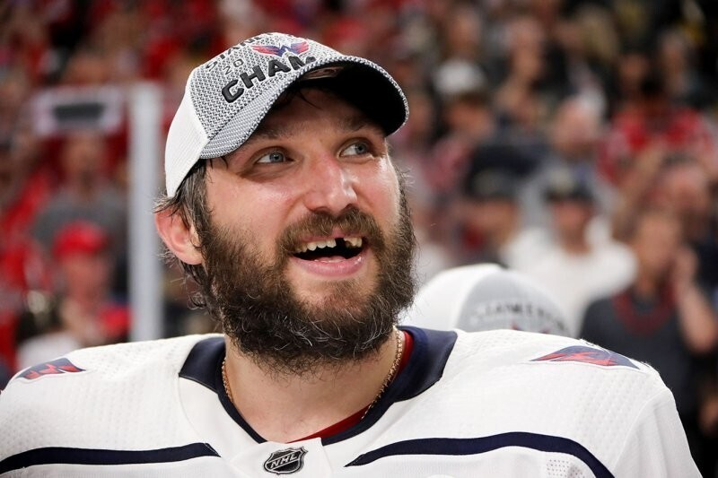 Овечкин стал шестым в списке лучших бомбардиров за всю историю НХЛ