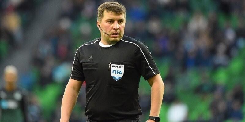 Отстраненный футбольный арбитр попросил «сжечь его заживо» и не травить остальных судей