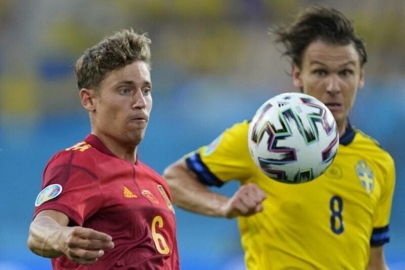 Сборная Испании сыграла вничью со шведами в матче чемпионата Европы по футболу