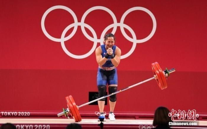 Дайте деньги, дом, корову... Как страны награждают олимпийских спортсменов, завоевавших медали