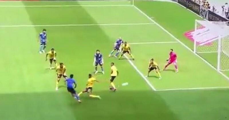 Четырёхочковый: потрясающий гол от футболиста из Японии