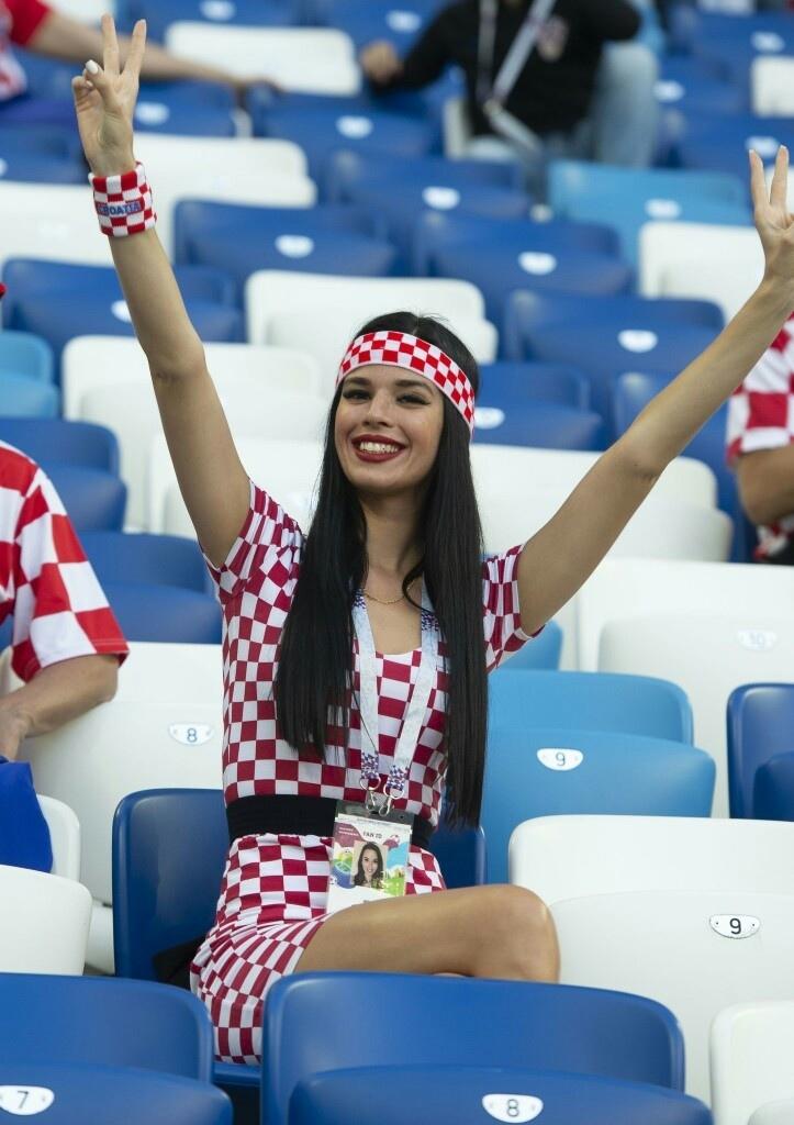 Самые шикарные болельщицы первой недели ЧМ-2018 болельщицы, девушки, спорт, фанатки, футбол, чм-2018