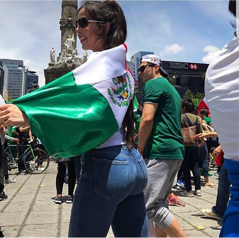 Битва болельщиц: латиноамериканки против россиянок