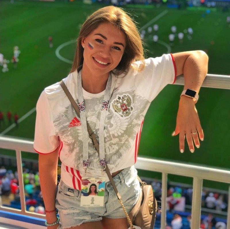 Россия - страна самых красивых болельщиц