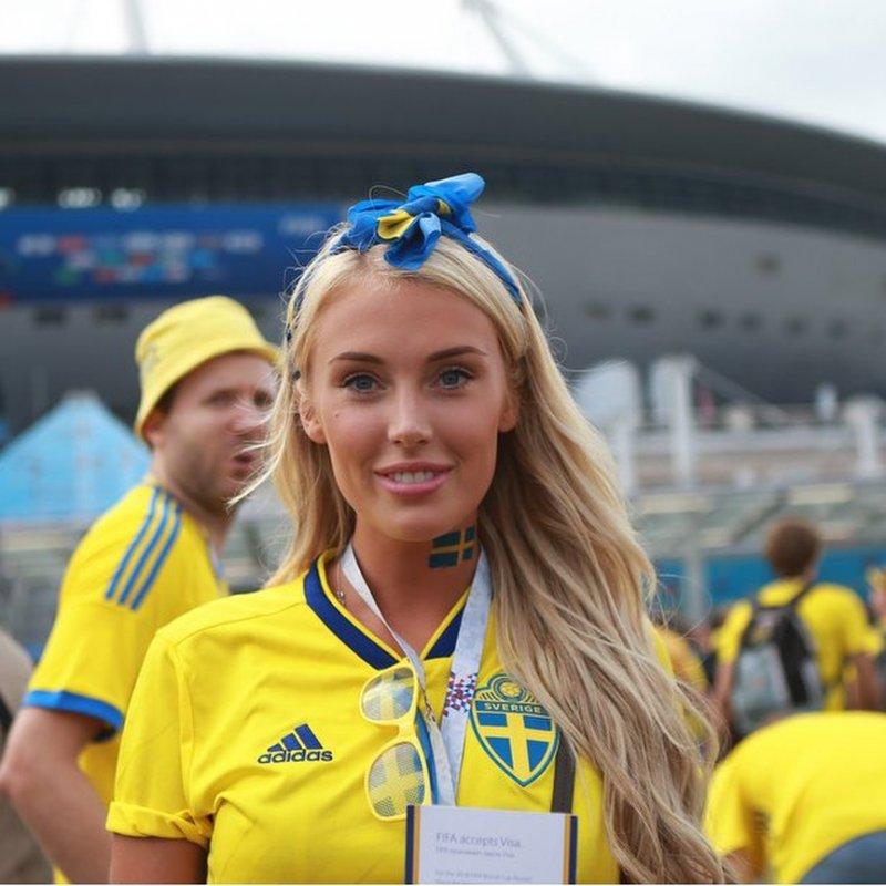 Швеция пробилась в 1/4 финала, значит фотографии их болельщиц еще будут