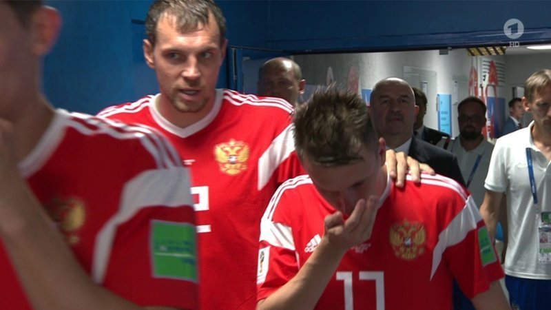 Журналисты спросили у представителей российской сборной, что это было, и им пояснили, что спортсмен «нюхал ватку, смоченную в аммиаке». бильд, допинг, маразм, нашатырь, прикол, сборная россии, спорт, чемпионат мира