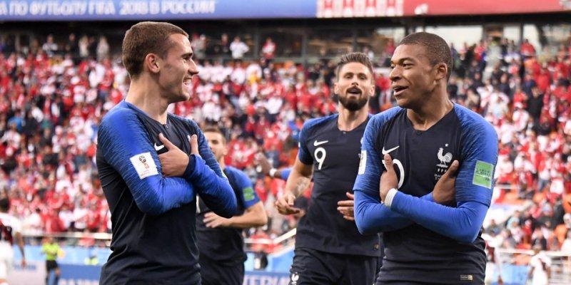Начну с главного, поставить я решил на победу сборной Франции!