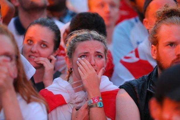 Фотографы запечатлели горечь поражения сборной Англии на лицах футбольных фанатов Англия, Хорватия, болельщики, спорт, фанаты, футбол, чемпионат мира