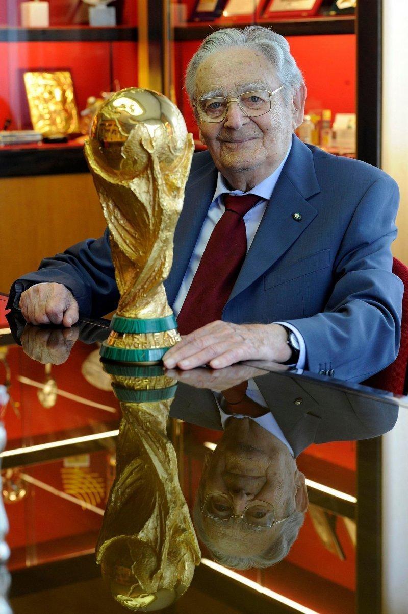 Ручная работа: как делали кубок ЧМ-2018 FIFA, кубок, литье, спорт, трофей, футбол, чемпионат мира, чемпионат мира по футболу
