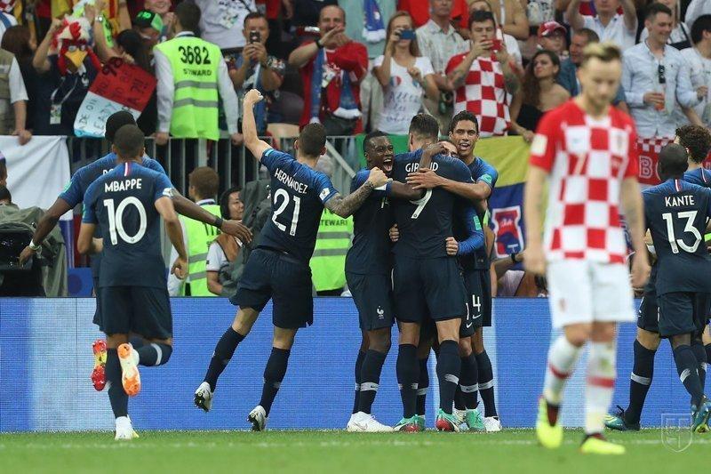И снова гол французов.  Франция, спорт, футбол, чм2018