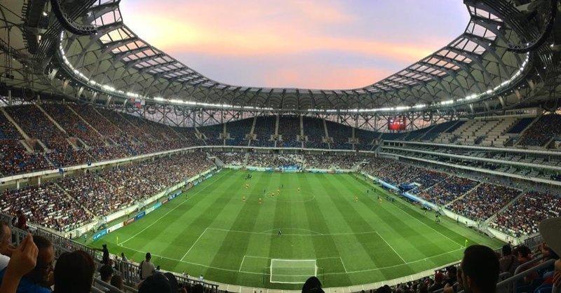 """На """"смытую"""" дождем Волгоград Арену пришло более 30 тысяч болельщиков волгоград арена, ливень, футбол"""