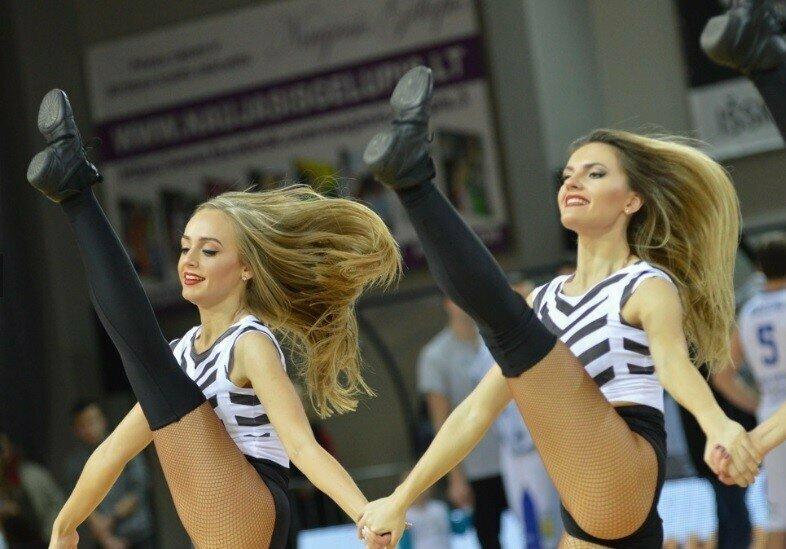 """Эти девушки поддерживают баскетбольный клуб """"Витаутас"""" баскетбол, группы поддержки, девушки, красивые девушки, подборка, спорт, хоккей"""