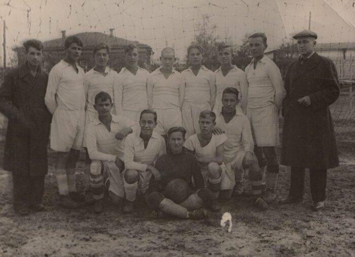 Футбольная команда ДСО «Водник». Архангельск, 1940 год