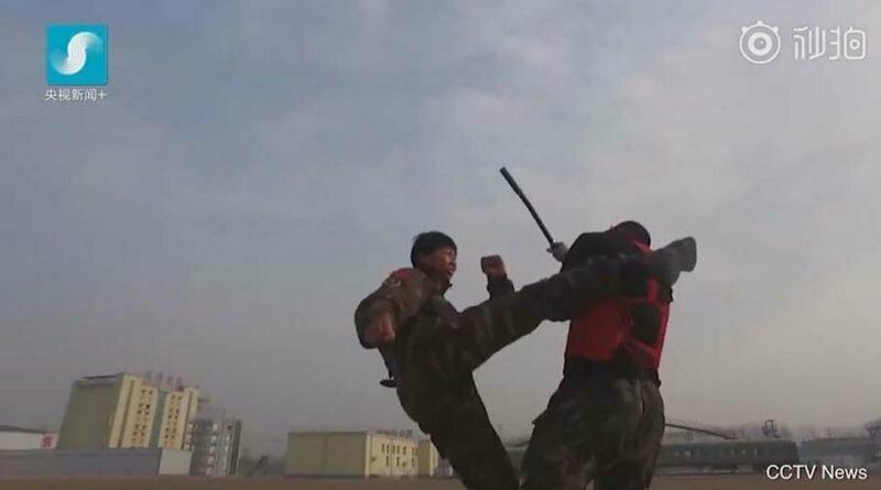 Китайские девушки-спецназовцы дадут фору многим парням армия, девушки, занятие, китай, спецназ, спорт