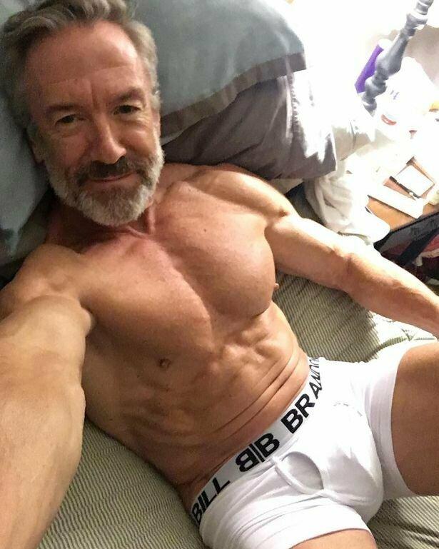 Лишь после выхода на пенсию он открыл для себя бодибилдинг  бодибилдинг, история, мужчина, пенсионер, спорт, сша, форма