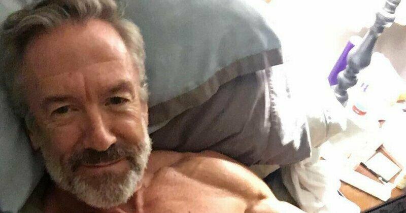 Даст фору молодым: 60-летний отец четверых детей стал бодибилдером бодибилдинг, история, мужчина, пенсионер, спорт, сша, форма