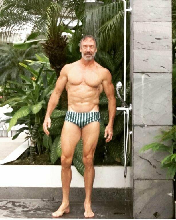В 2018 году многодетный отец принял участие в двух соревнованиях  бодибилдинг, история, мужчина, пенсионер, спорт, сша, форма