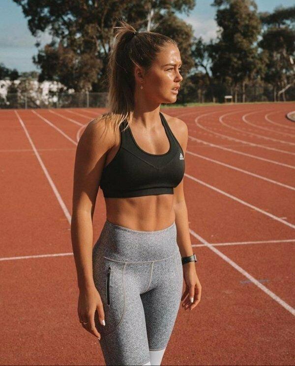 Девушки в спортивных бюстгальтерах хороший мотиватор для спорта (40 фото) бюстгальтер, девушки, мотивация, спорт, треники&вареники