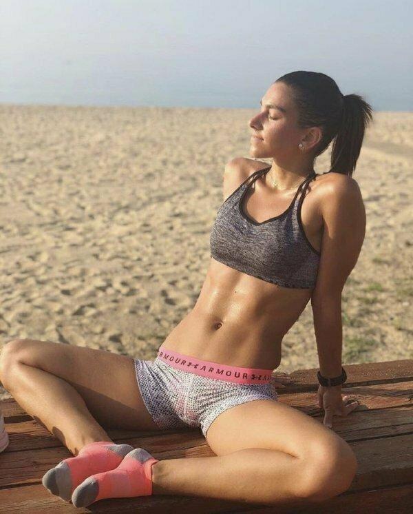 Девушки в спортивных бюстгальтерах хороший мотиватор для спорта (40 фото)