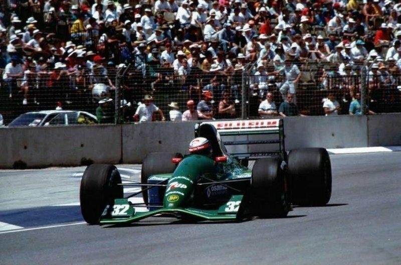 Jordan, на котором Алессандро Занарди дебютировал в Формуле-1 в 1991 году авто, автомобили, автоспорт, алессандро занарди, гонки, гонщик, инвалид, спорт