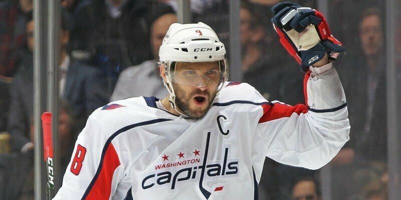 Овечкин стал первым игроком в истории НХЛ с 10 сезонами, по 45+ заброшенными шайбами в каждом из них овечкин, спорт, хоккей