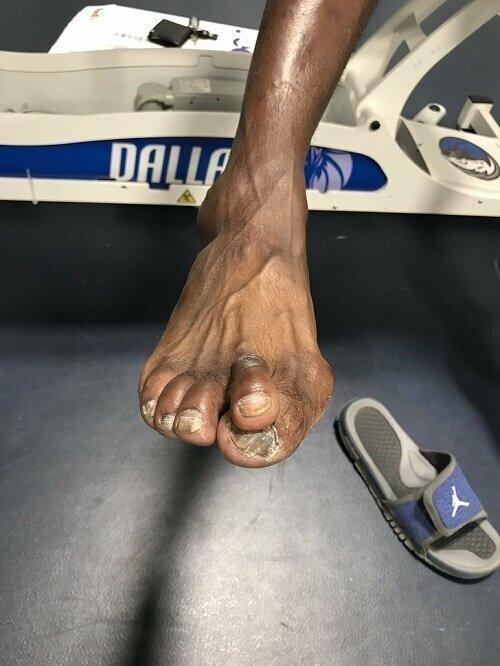 Ноги баскетболистов