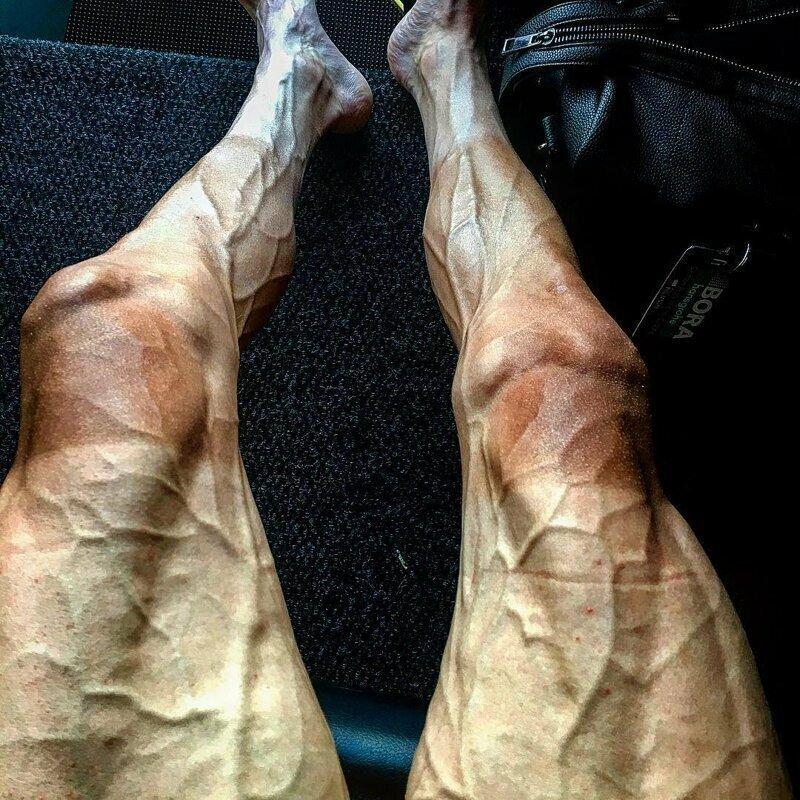 Ноги велосипедистов конечности. руки, ноги. сила воли, спорт, спортсмены, цена победы