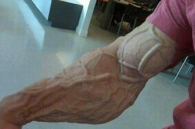 Руки бодибилдера конечности. руки, ноги. сила воли, спорт, спортсмены, цена победы