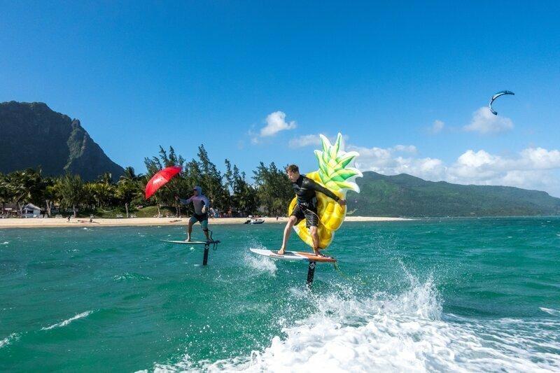 Условия соревнований были просты: кто дальше проедет вниз по ветру, тот и победил. море, отдых, развлечения, спорт, спорт в массы, сёрфинг