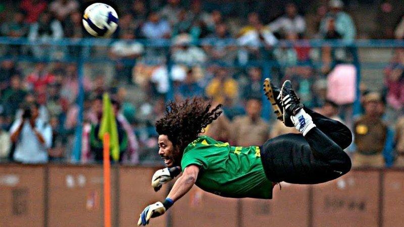 Рене Игита - самый сумасшедший футбольный вратарь Вратарь, видео, голкипер, рене игита, спорт, спортсмен, футбол