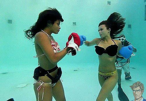 Гифки со спортивными девушками