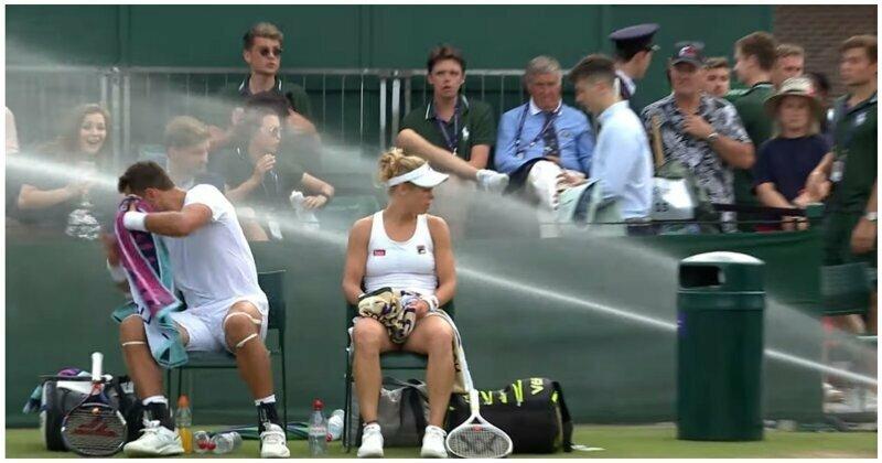 Взбунтовавшаяся на теннисном матче система полива корта попала на видео видео, вода, курьезы, прикол, спорт, теннис, фейл, юмор