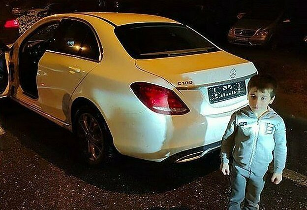 В прошлом ноябре Кадыров подарил мальчику Mercedes за рекордные 4105 отжиманий