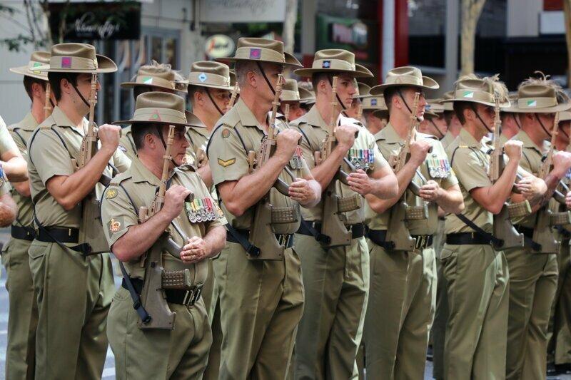 Армия австралия, медузы, обувь, пластика груди, спорт, факты