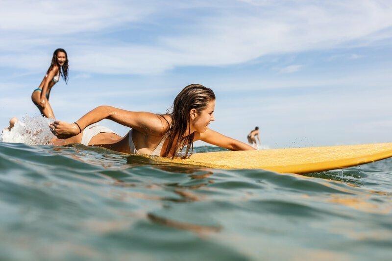 Спорт австралия, медузы, обувь, пластика груди, спорт, факты