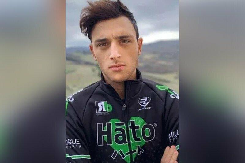 Итальянский велогонщик скончался, не доехав до финиша 100 метров