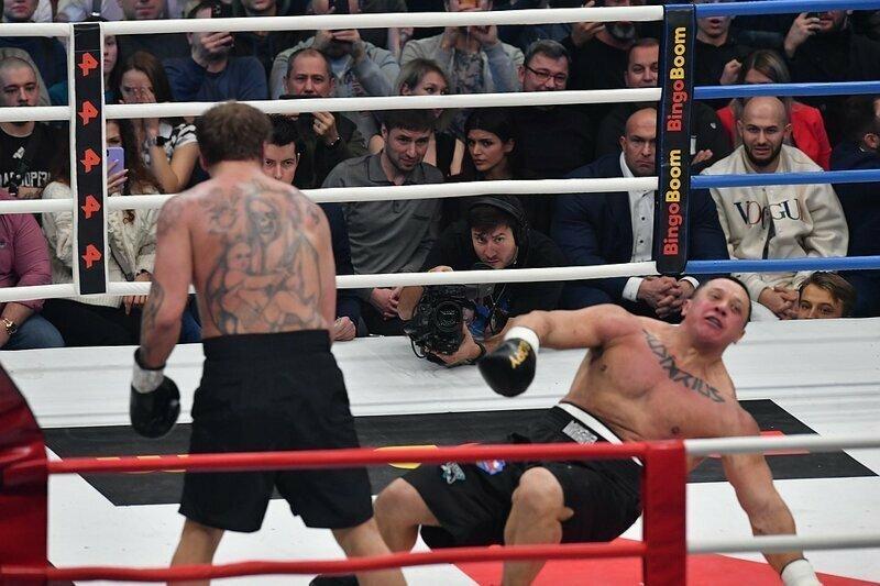 Емельяненко отправил Кокляева в нокаут двумя ударами