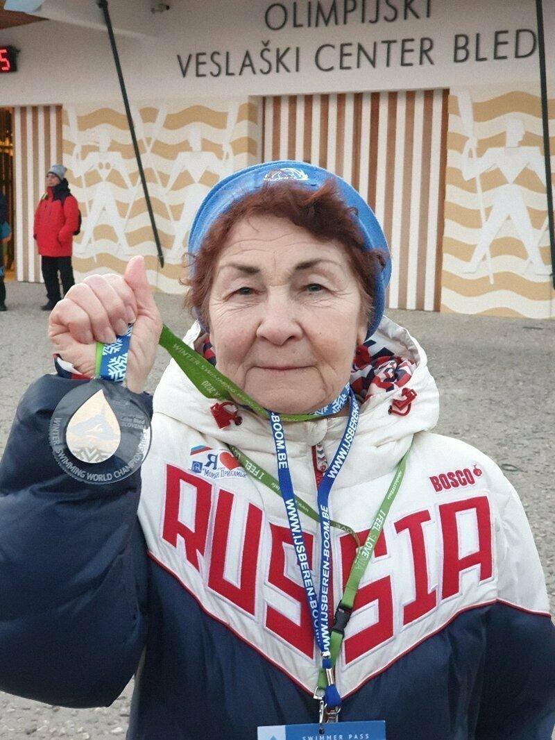 83-летняя пенсионерка из Перми победила на чемпионате мира по плаванию