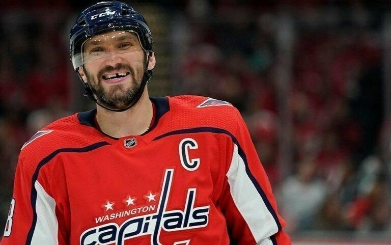 Гол нападающего Александра Овечкина был признан лучшим в НХЛ