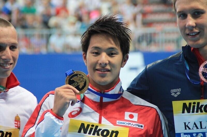 Японского чемпиона мира по плаванию дисквалифицировали за измену жене